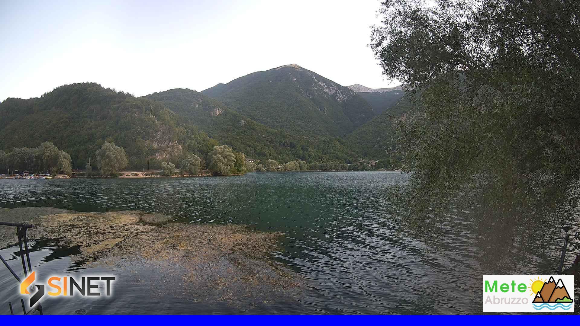 Lago di Scanno - Vista verso il Monte Terratta